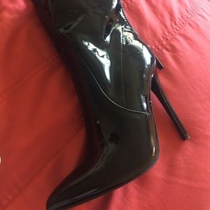 Patent Leather Pointy Black Boots